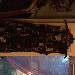 Dresses & Skirts - Barely worn patterned dress